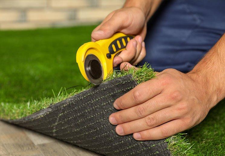 cutting-installing-astro-turf-somerset